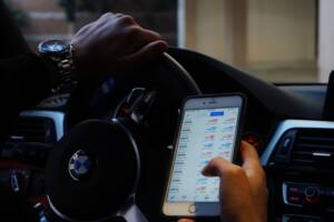 7 apps that interact with your car to make driving more fun